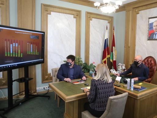 Игорь Артамонов провел совещание по развитию футбола в регионе
