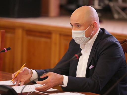 Игорь Артамонов поручил коммунальщикам активнее работать с жителями