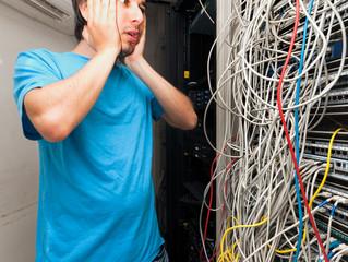 Como evitar um emaranhado de cabos de rede ?
