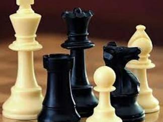 Initiation aux échecs à La Caverne aux Grimoires