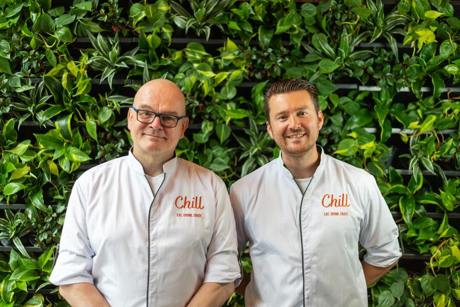VLNR: Erik (Chef-Kok), John (Kok)