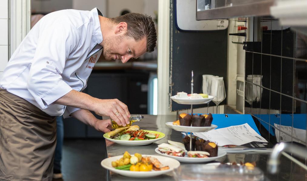 John (Kok) in de keuken