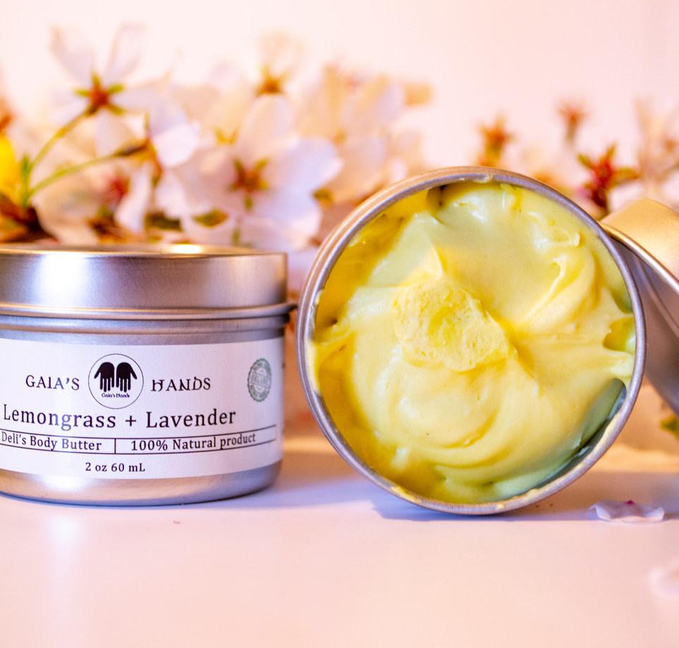 Lemongrass, open, close up1.jpg