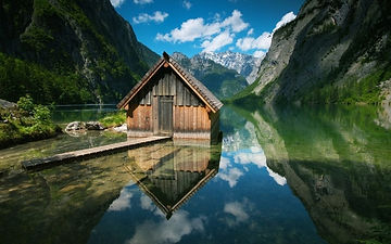 wooden_houses_lakes_mountains_238912.jpg