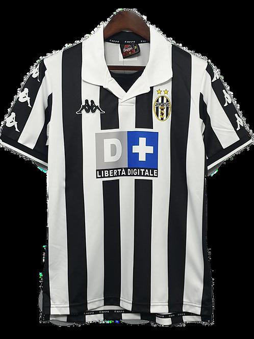 Juventus 1999-00 Away Shirt