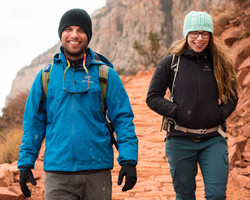 Hikers on the South Kaibab