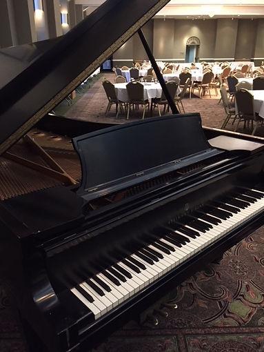 performance piano.JPG