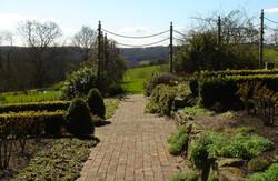 City-Escapes-Domestic-traditional-garden