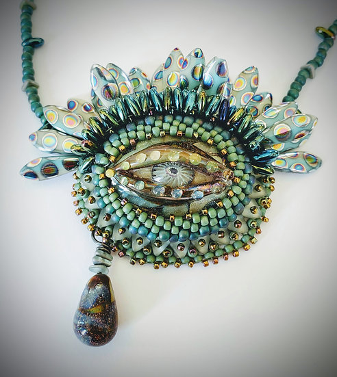 Beauty in the Eye of the Beholder Necklace kit