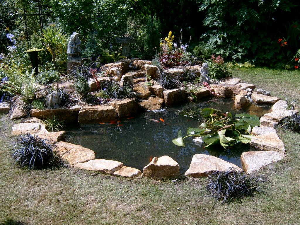 pond horsham