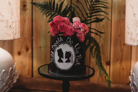 Till death do us part rock n roll wedding cake