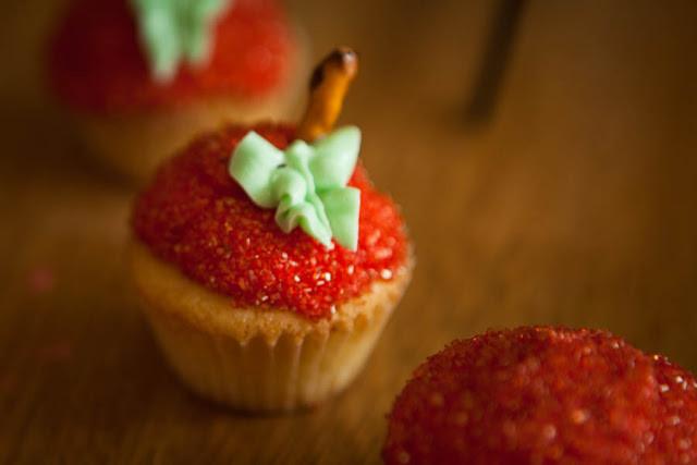 Apple Cupcakes . . . The way to a teacher's heart.