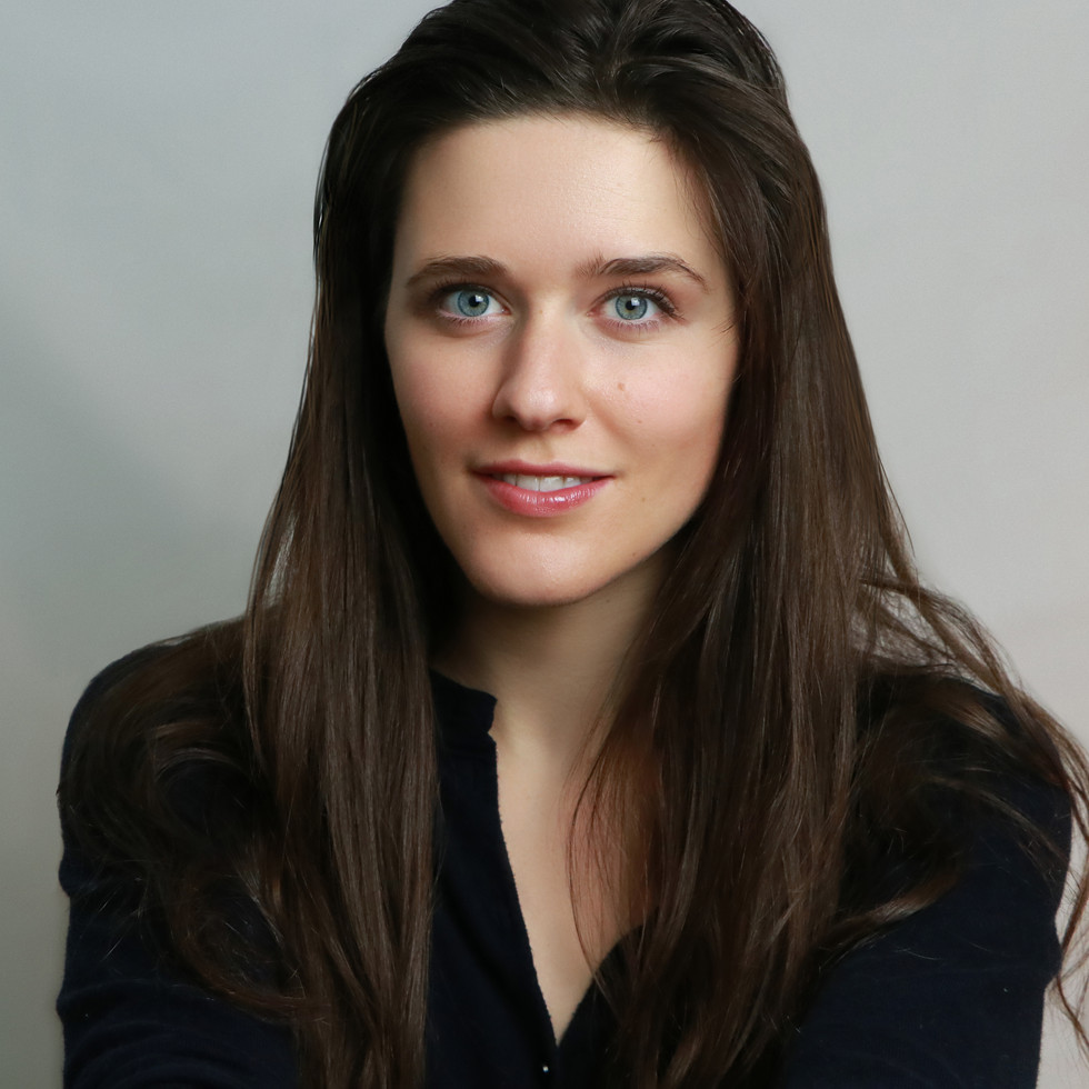Headshot, Abigail Hendricks