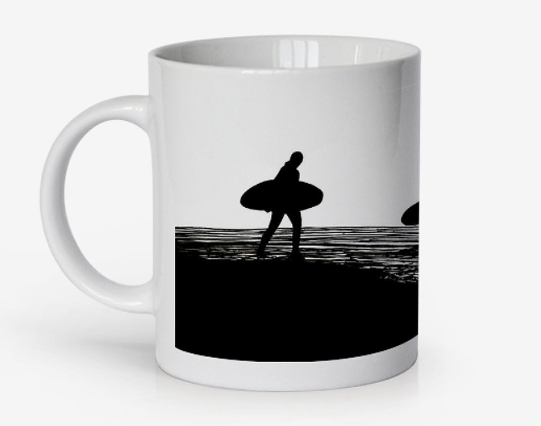 Croyde Bay Sunset Surfers Drawing, mug b