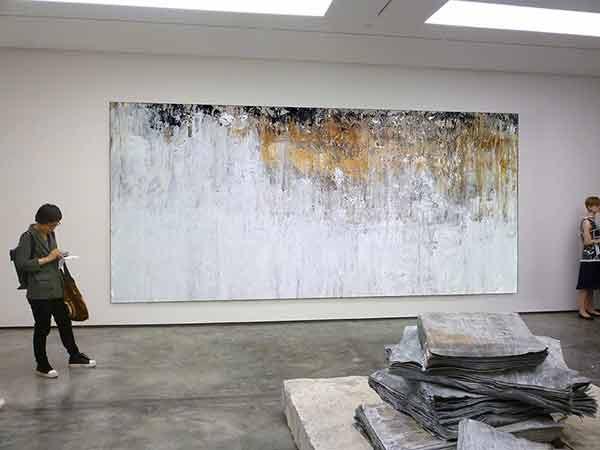 ussell-Scott-Skinner,-gallery-abstract.j