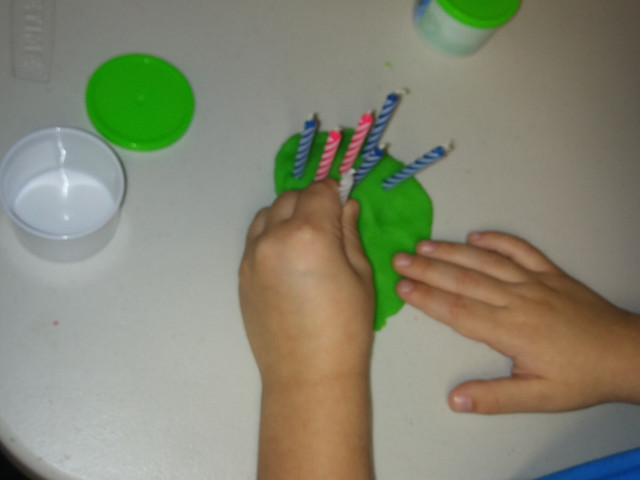 candle counting in playdoh cakes