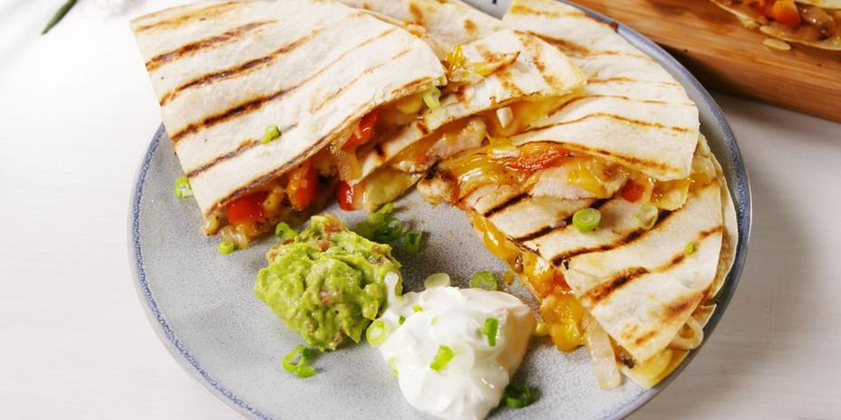 delish-grilled-chicken-quesadillas-1-153