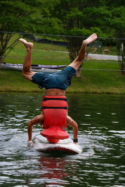Paddleboard Headstand