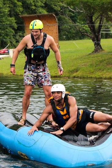 Raft Wars on the Lake