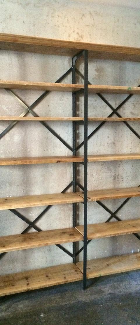 Scaffalature In Ferro Prezzi.Scaffalatura In Ferro Con Ripiani In Legno Cordero Antichita