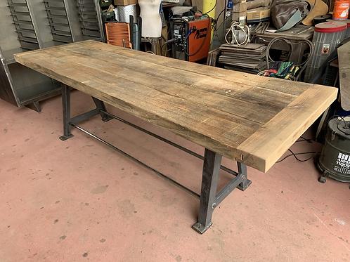 Tavolo in ghisa e legno 3