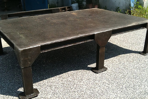 Tavolino da salotto in metallo