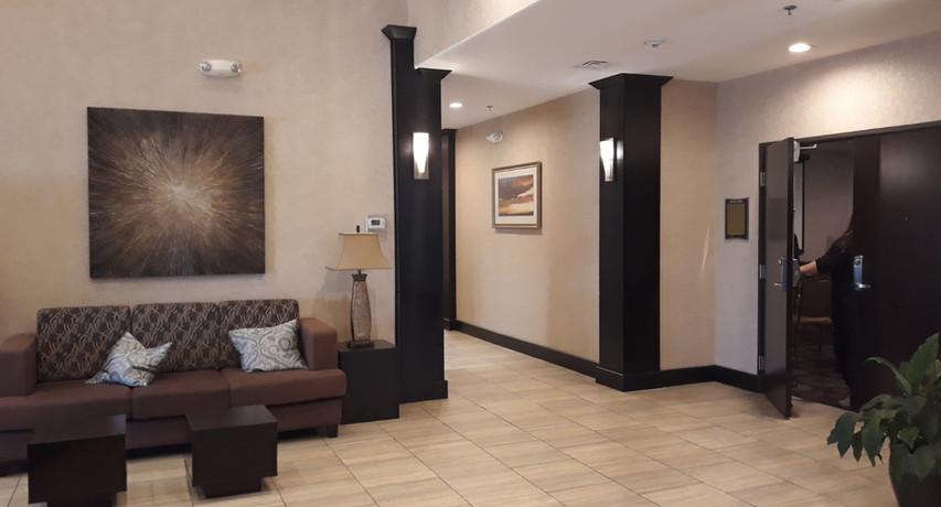 Lobby Area Best Western Lytle,TX