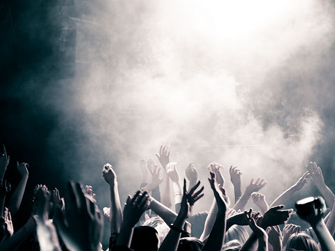 concert-2-7-R3HZ4N7.jpeg