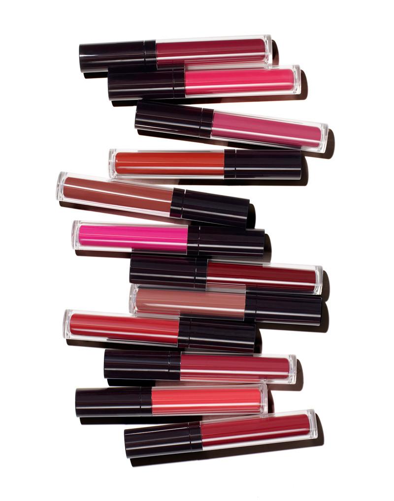 Cosmetic_LipGloss_Single.jpg