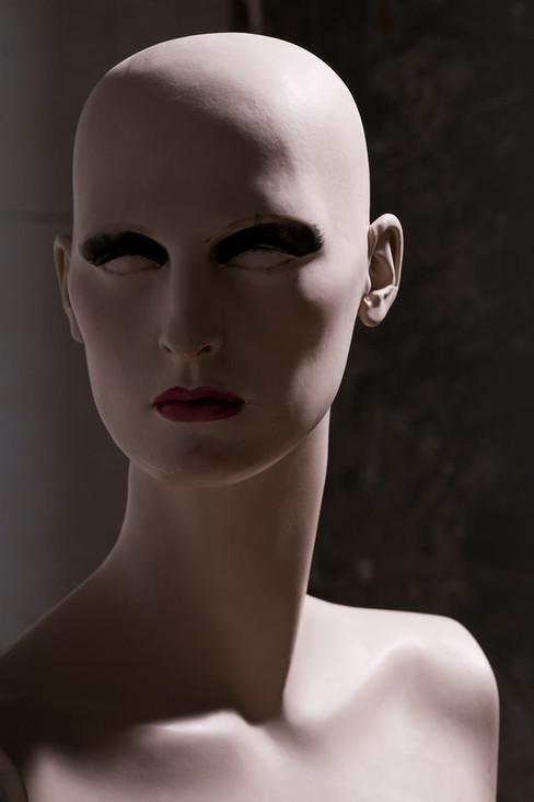 12_0_196_109_009_test_318_mannequins.jpg