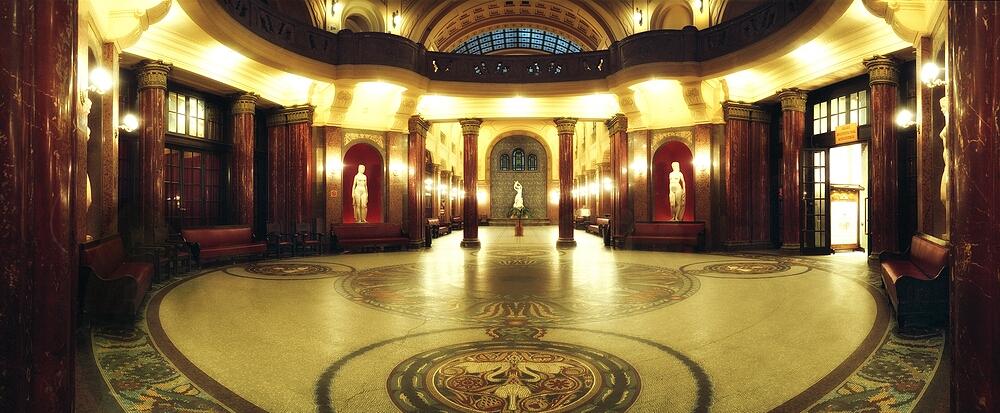Gellert Hotel Lobby to Baths