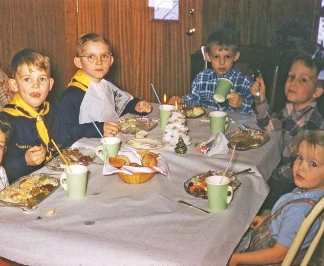 kids at table_std.jpg