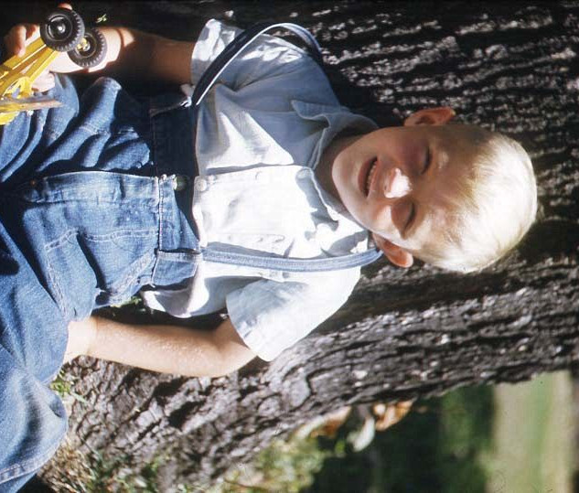 john sitting at tree-3_std.jpg