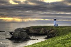 yaquina bay lighthouse 3892_3__std.jpg
