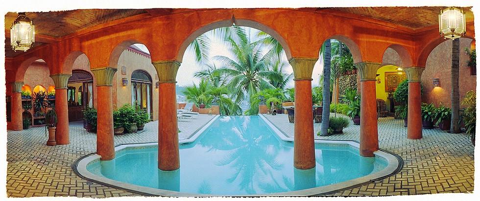 casa arabia pool tw palms_std.jpg