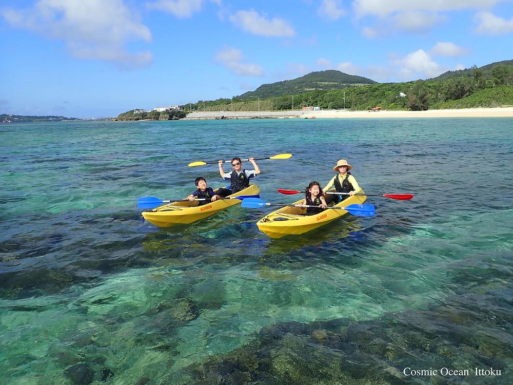 沖縄本部町塩川ビーチでクリアーカヤックとシュノーケリング