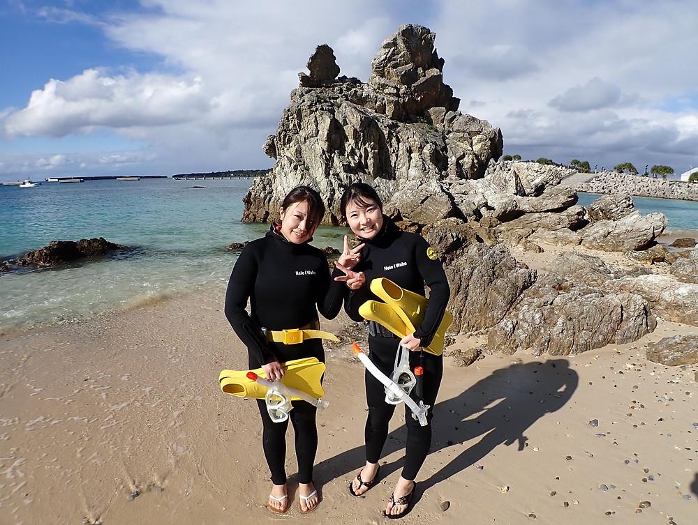 沖縄本部町でスキンダイビング とシュノーケリング