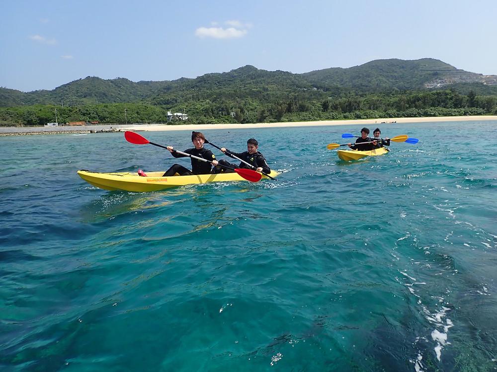 沖縄本部町でマリンスポーツ(クリアーカヤック+シュノーケリング)