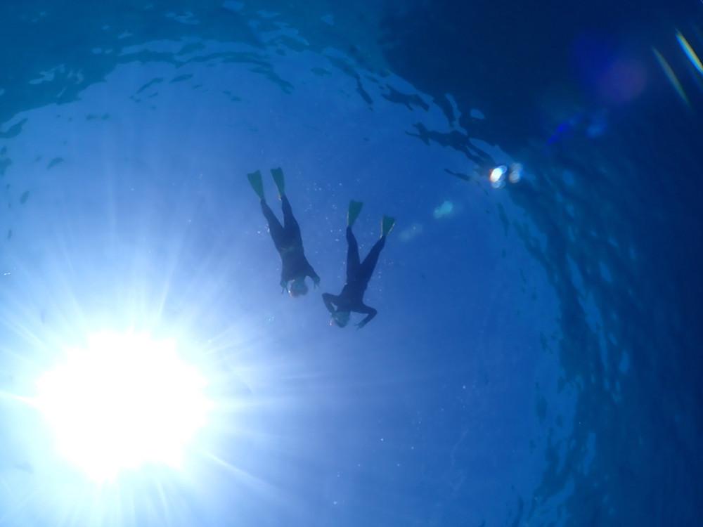 沖縄でスキンダイビング とシュノーケリング