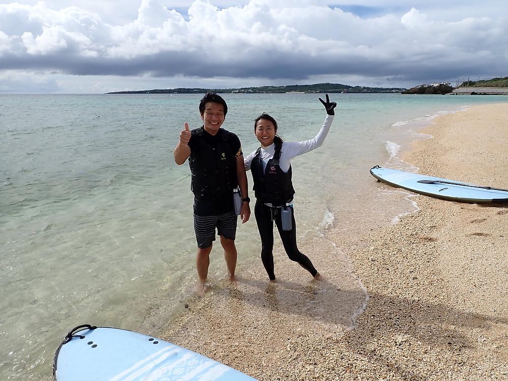 沖縄本部町でマリンスポーツを楽しむ