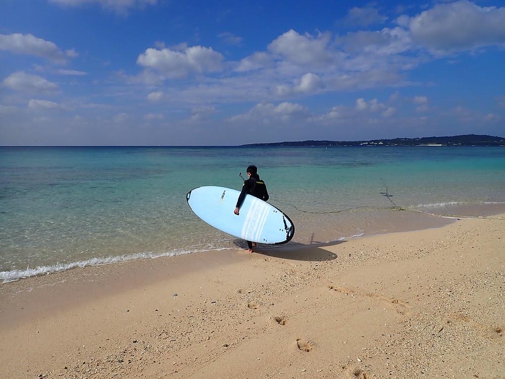 沖縄本部町でサップとスキンダイビング