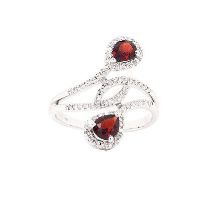 14KW Garnet & Diamond Ring