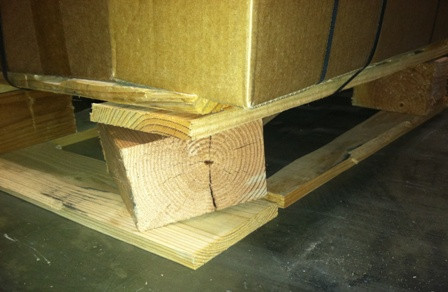 Damaged block pallet