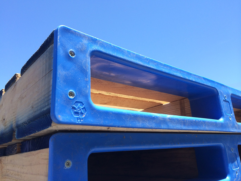 pointGUARD Pallet Protector in blue