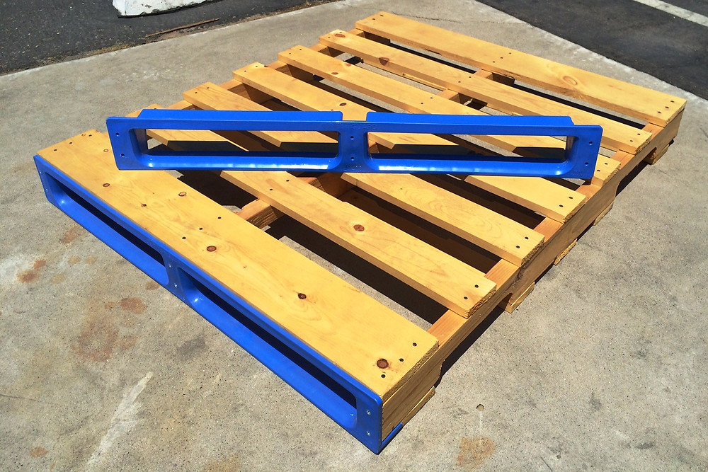 LX40S pointGUARD Pallet Protector in blue with pallet