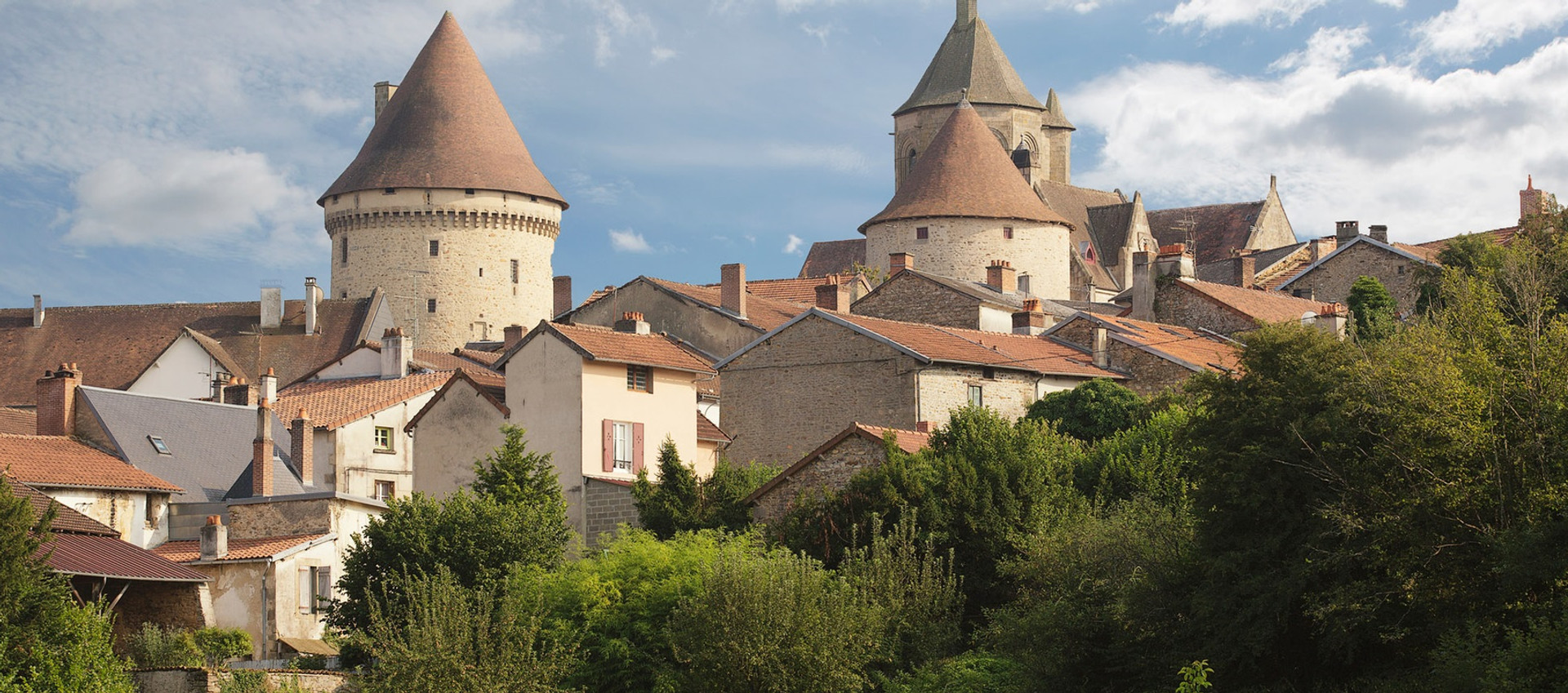 VISIT THE PICTURESQUE TOWNS