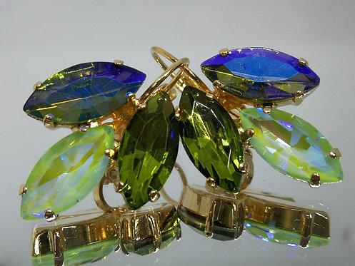 ירוק זית , ירקרק , זית.  אבנים: קריסטלים שונים.  מתנה בשבילה, עגילי דמעה, Model # 479