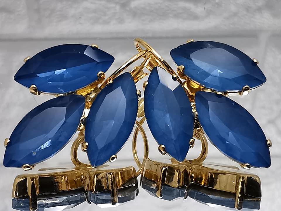 עגילים בכחול מונטנה