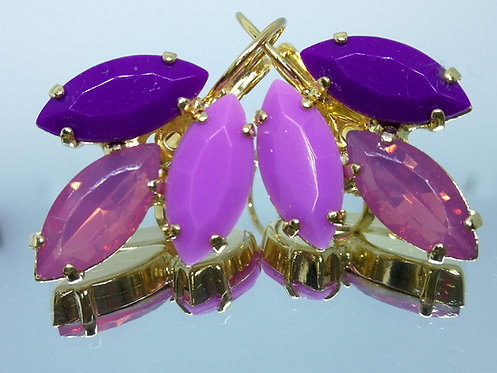 Model # 481 סגול בגוונים שונים.  אבנים: אקריל  עגילי אקריל, מתנה בשבילה, מתנה לכלה, עגילי עלים, עגילי דמעה,