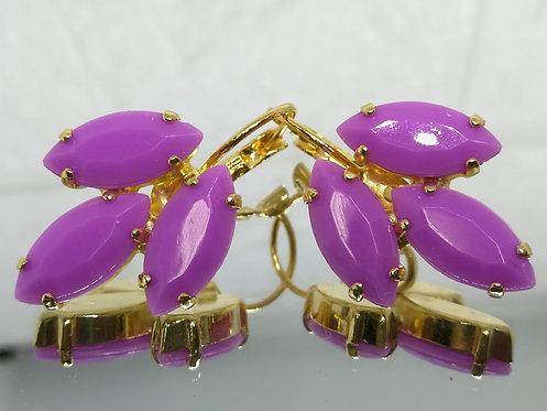 סגול לילך  אבנים: אקריל  מתנה בשבילה, עגילי דמעה, מתנה לכלה, עגילי עלים, Model # 539